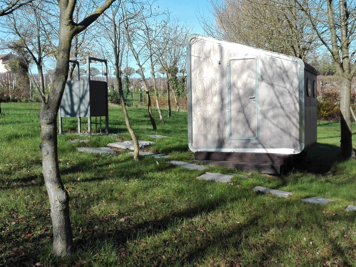 LeapNest toilet unit Orsolina28 glamping